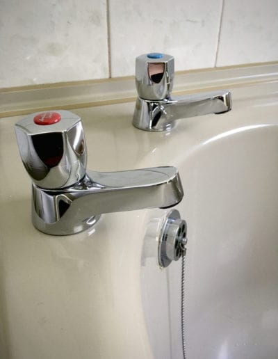 Armitage Shanks bath pillar taps